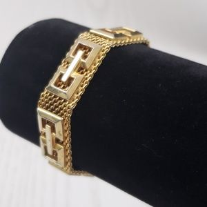 Art Deco Vintage Gold Tone Mesh Bracelet Clasp